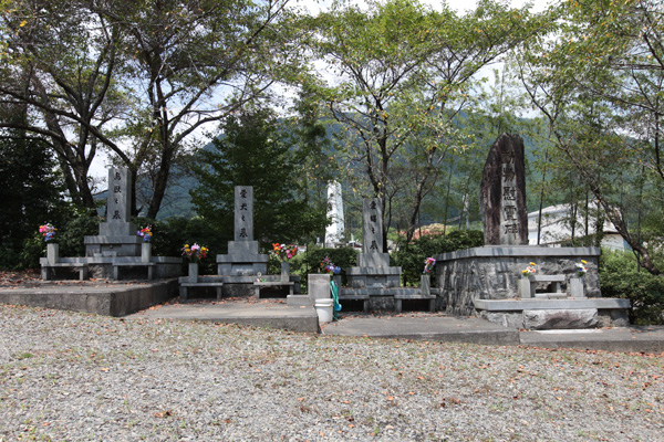 旧共同墓地